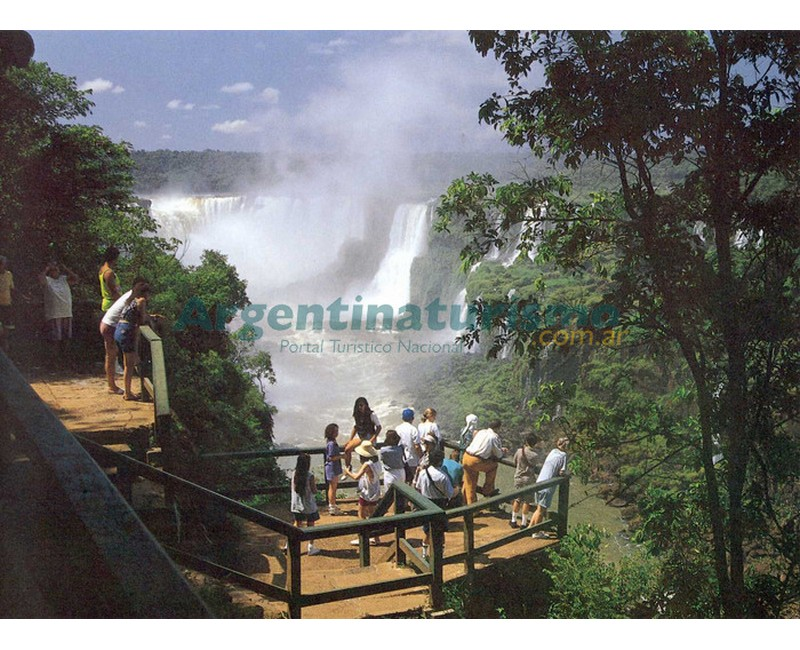 Cataratas del Iguazu, Puerto Iguazu