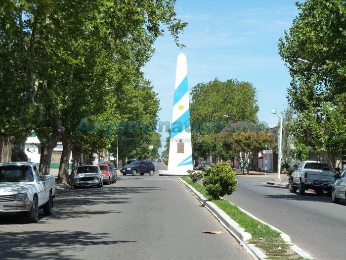 Obelisco, Las Flores, Buenos Aires