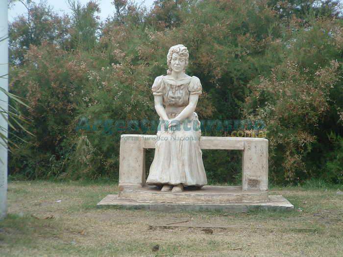Monumento Alfonsina Storni, Las Toninas